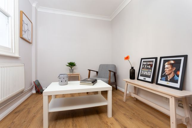 Thumbnail Flat to rent in Homestead Road, Fulham, London