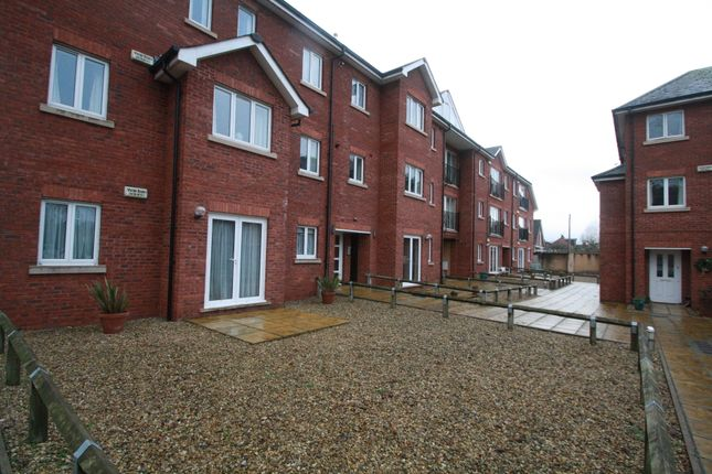 Thumbnail Flat to rent in Barrack Road, Exeter