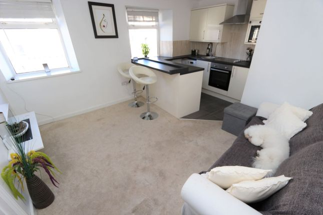 Thumbnail Flat for sale in East Street, Torquay