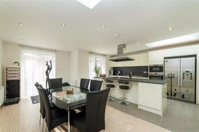 Thumbnail Terraced house for sale in The Avenue, Hounslow