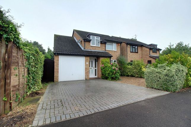 Thumbnail Detached house for sale in Willowside, Woodley, Reading, Berkshire