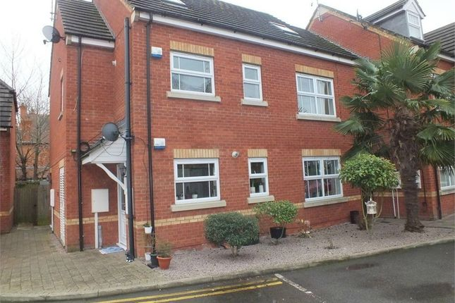 Thumbnail Flat for sale in 25 Sandtone Gardens, Spalding, Lincolnshire