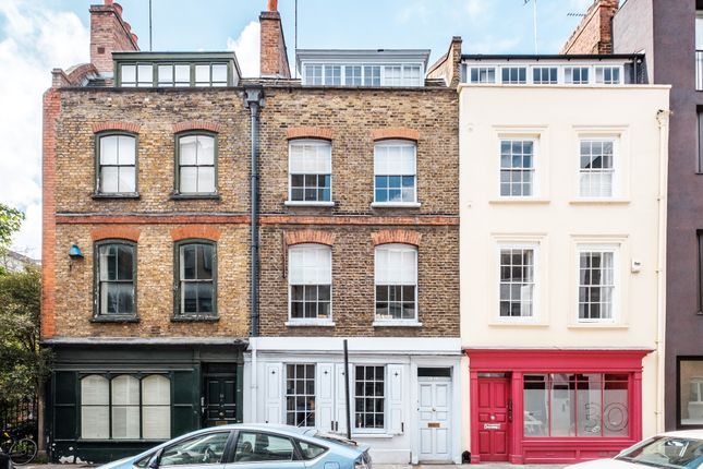 1 (23) of Britton Street, Clerkenwell EC1M