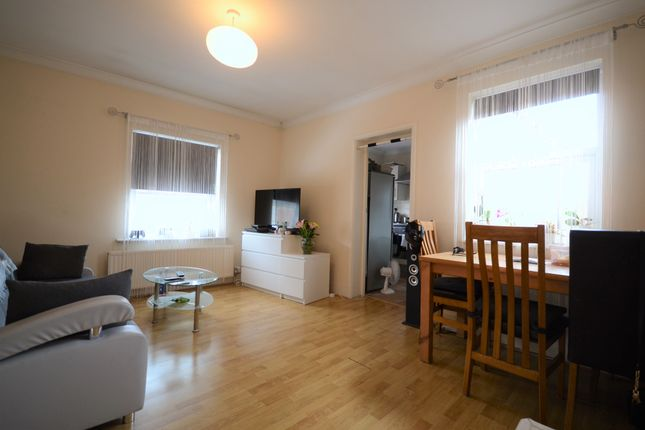 Thumbnail 1 bed flat for sale in Wilton Road, Reading