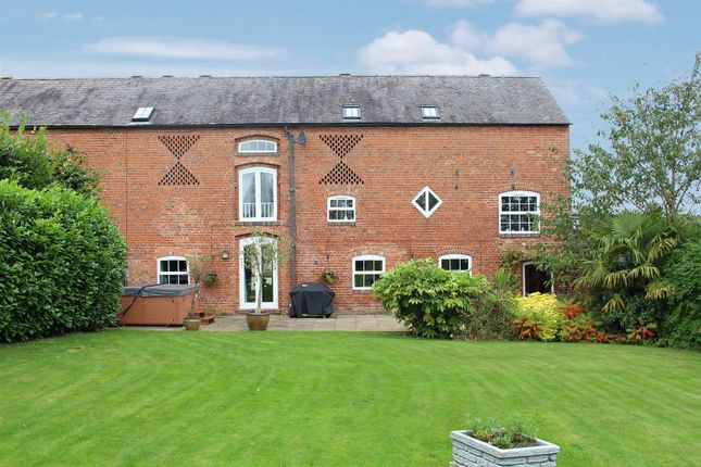 Thumbnail Barn conversion for sale in Grangewood, Derbyshire