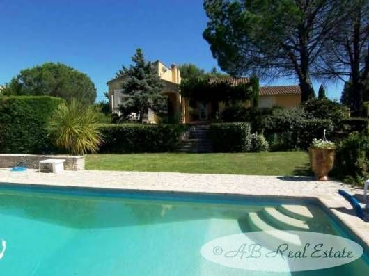 4 bed villa for sale in 34500 Beziers, France
