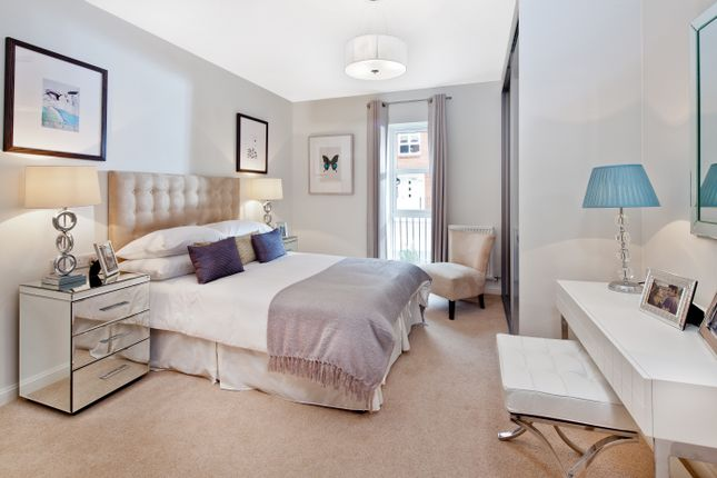 Thumbnail Flat for sale in Sutton Court Road, Sutton, London
