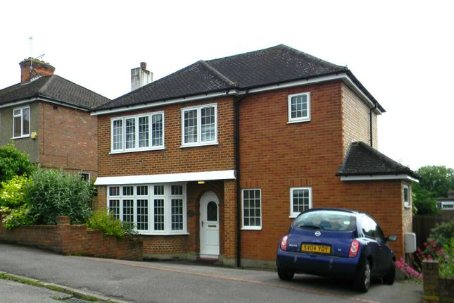 Thumbnail Detached house to rent in Meadow Road, Berkhamsted