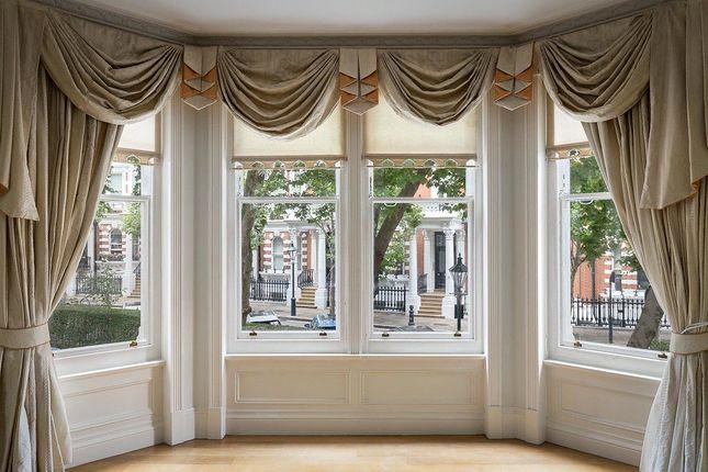 Thumbnail Flat to rent in Campden Hill Court, Kensington, London