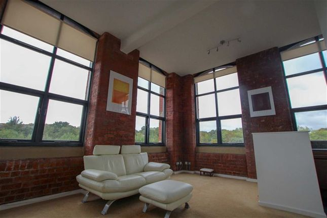 Thumbnail Flat to rent in Threadfold Way, Eagley, Bolton