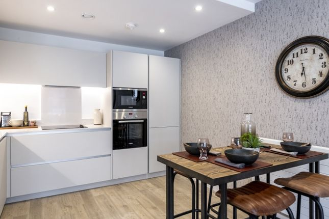 1 bedroom flat for sale in Purbeck Gardens, London