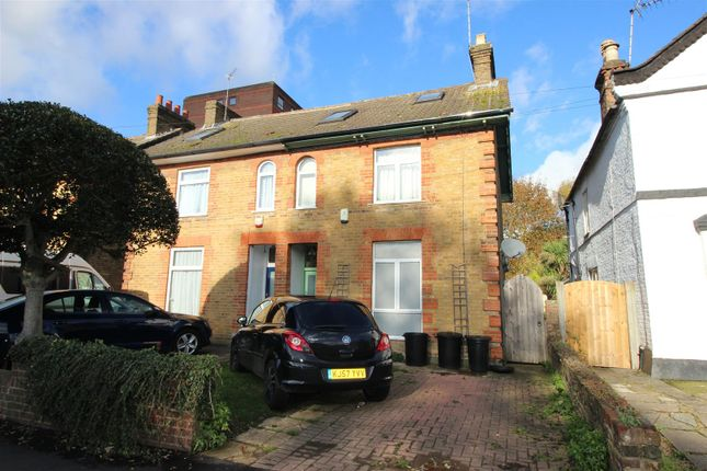 Thumbnail Detached house to rent in Chiltern View Road, Cowley, Uxbridge