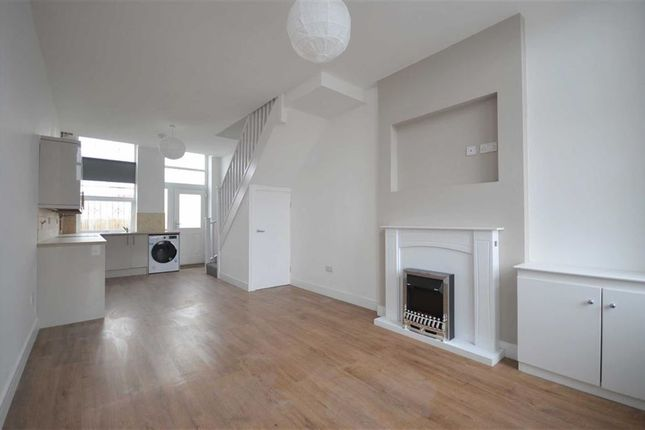 Thumbnail Town house to rent in Rowsley Grove, Reddish, Stockport
