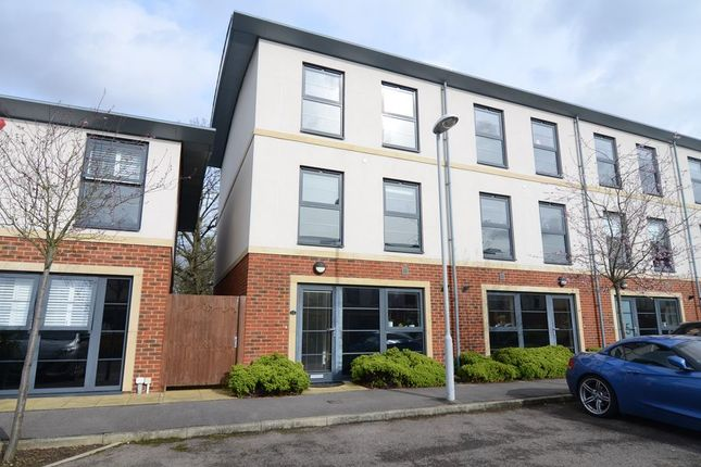 Thumbnail Town house to rent in Sunderland Place, Farnborough