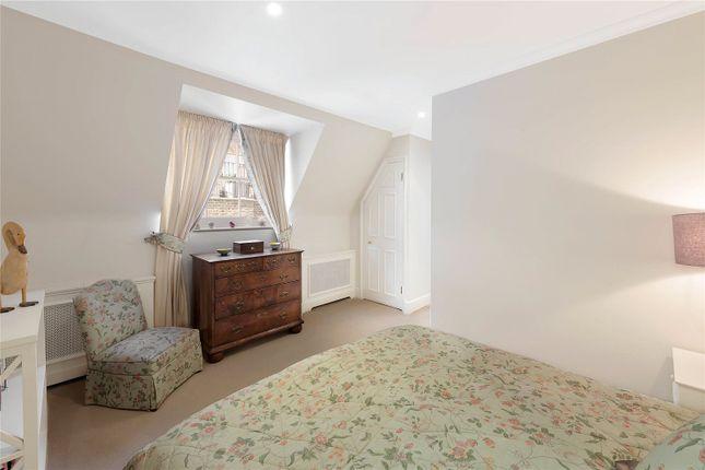 Bedroom of Cadogan Lane, London SW1X