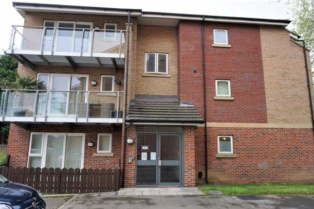 Thumbnail Flat to rent in 332 Cottingham Road, Hull