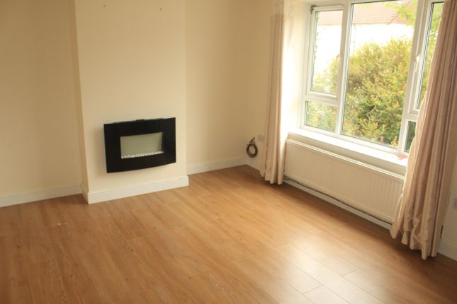 Living Room of Morris Avenue, Llanishen, Cardiff CF14