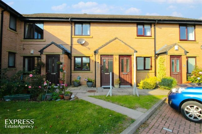 Thumbnail Flat for sale in May Tree Close, Clayton, Bradford, West Yorkshire
