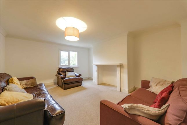 Picture No. 15 of Castle Crescent, Reading, Berkshire RG1