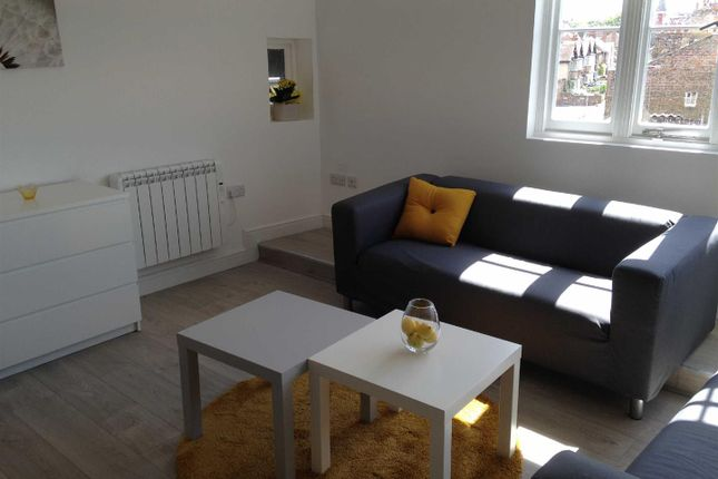 Flat to rent in High Street, Ramsgate