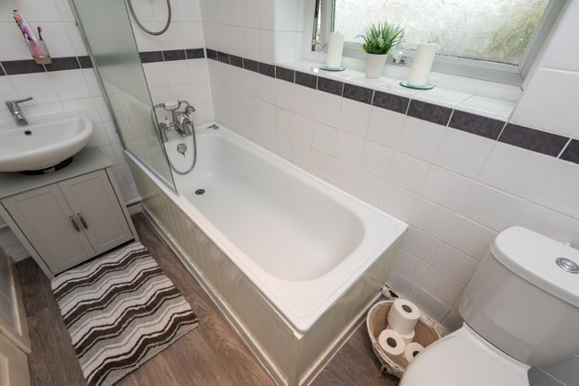 Bathroom of Minehead Road, Fordhouses, Wolverhampton WV10