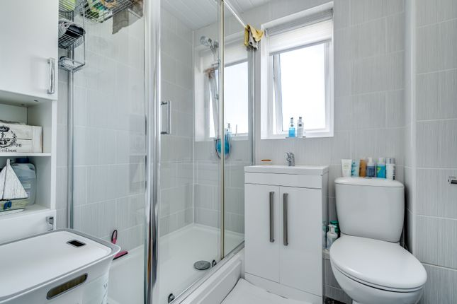 Shower Room of Lambhay Hill, Plymouth PL1