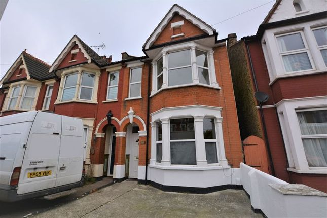 3 bed end terrace house to rent in South Avenue, Southend-On-Sea SS2