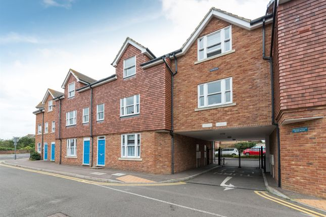 2 bed flat for sale in Quex Road, Westgate-On-Sea CT8