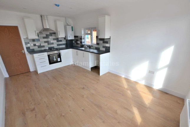4 bed flat to rent in Christchurch Road, Reading RG2