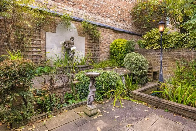 Picture No. 34 of Philbeach Gardens, London SW5