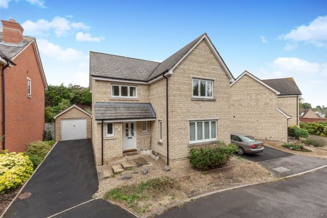 Thumbnail Property to rent in Walnut Close, Witney