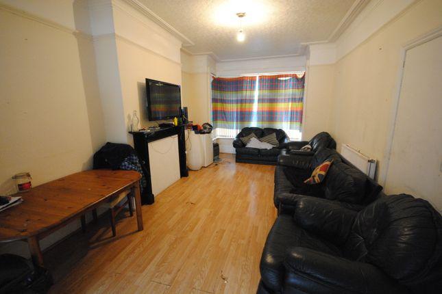 Thumbnail Terraced house to rent in 83 Headingley Mount, Headingley