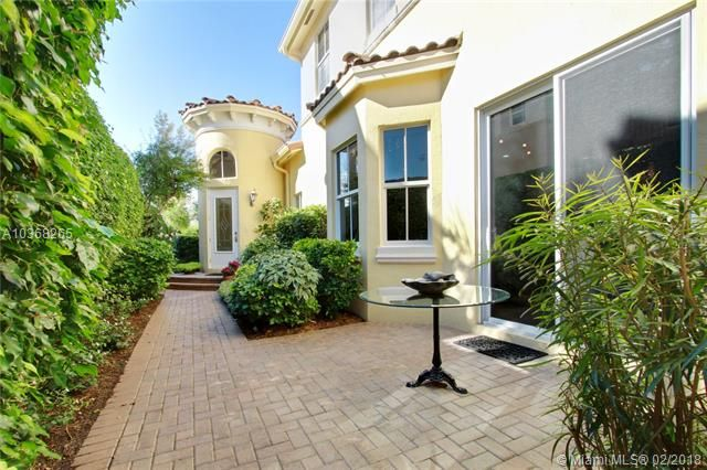Thumbnail Town house for sale in 833 Spinnaker Dr E, Hollywood, Florida, United States Of America
