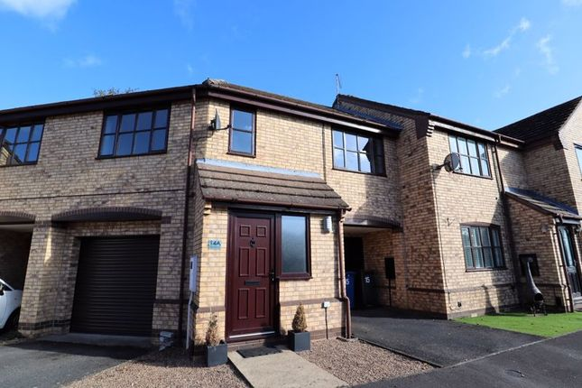 2 bed flat to rent in The Sidings, Saxilby, Lincoln LN1
