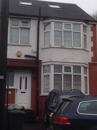 Thumbnail Semi-detached bungalow to rent in Runley Rd, Luton