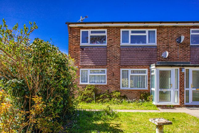 Thumbnail Flat to rent in 3 Westview, Pangbourne On Thames