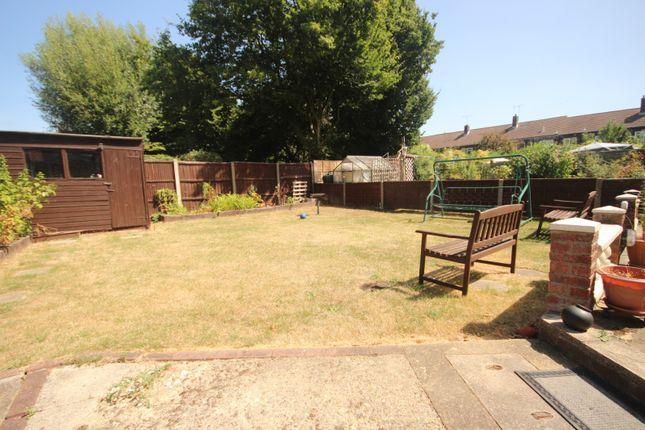 Thumbnail Property to rent in Fauners, Basildon