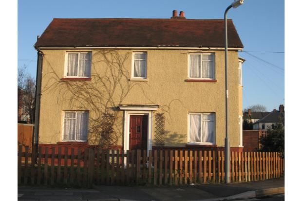 Semi-detached house to rent in Birch Road, Southampton