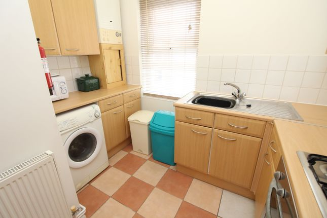 Thumbnail Flat to rent in Flora Street, Cathays, Cardiff