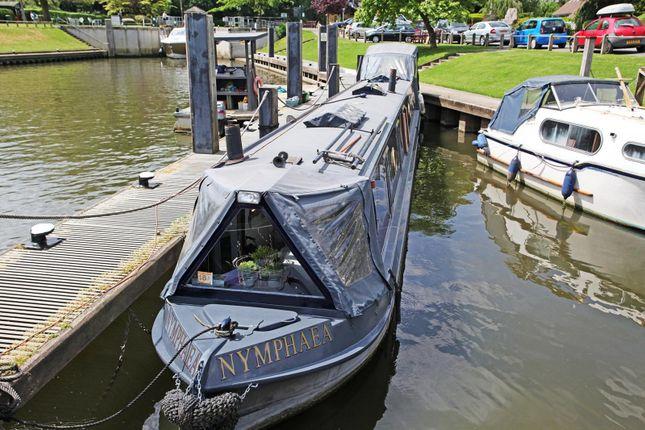 Thumbnail Houseboat for sale in Ferry Lane, Shepperton
