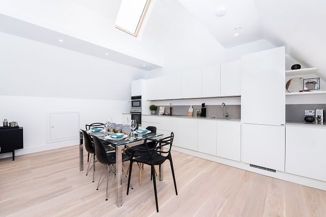 Thumbnail Flat to rent in Walpole Park Area, Ealing Broadway Area