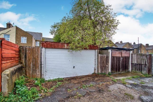 Garage of Kent Road, Grays RM17