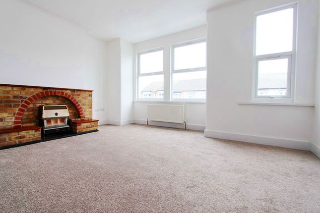 Thumbnail Flat for sale in Brantwood Road, London