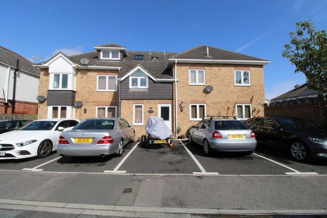 Thumbnail Flat to rent in Boscombe Grove Road, Bournemouth