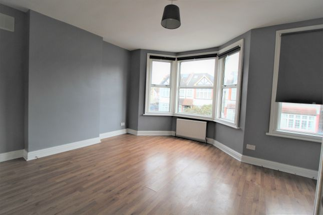 2 bed flat to rent in Godson Road, Croydon CR0