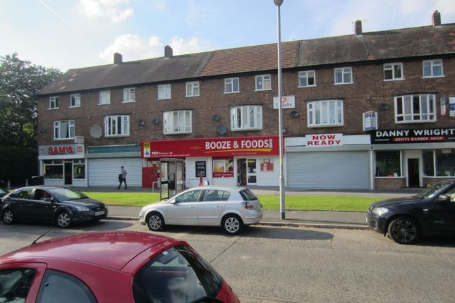 3 bed flat to rent in Button Lane, Northern Moor, Manchester