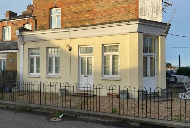 Thumbnail Flat to rent in Tower Parade, Whitstable