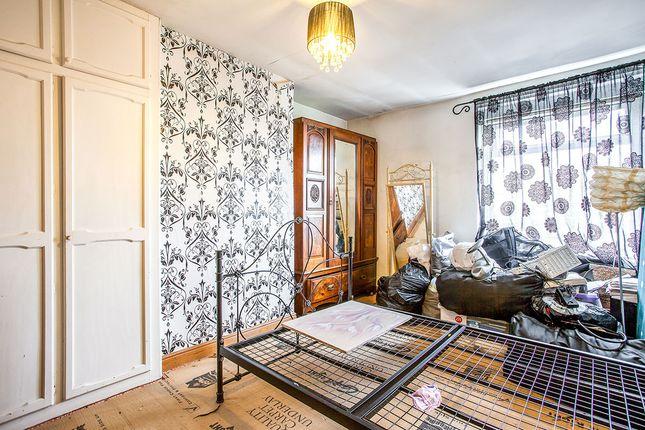 Bedrooms of Westgate Terrace, Bradford, West Yorkshire BD4