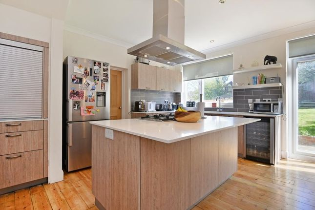 4 bed semi-detached house to rent in Westwood Park, London