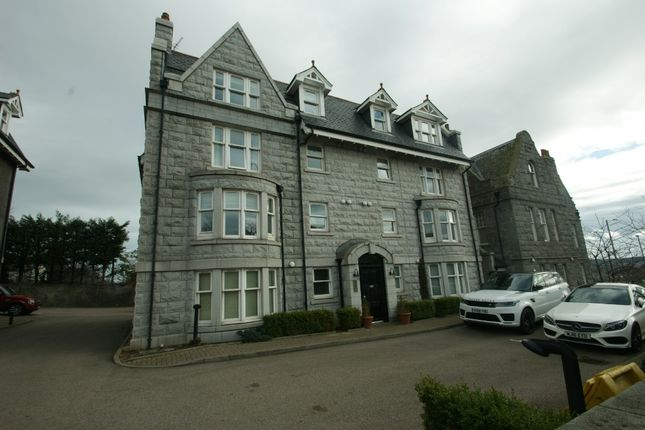 Thumbnail Flat to rent in Earls Court, West End, Aberdeen
